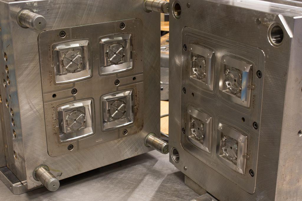 Orodja za brizganje termoplastov / duroplastov