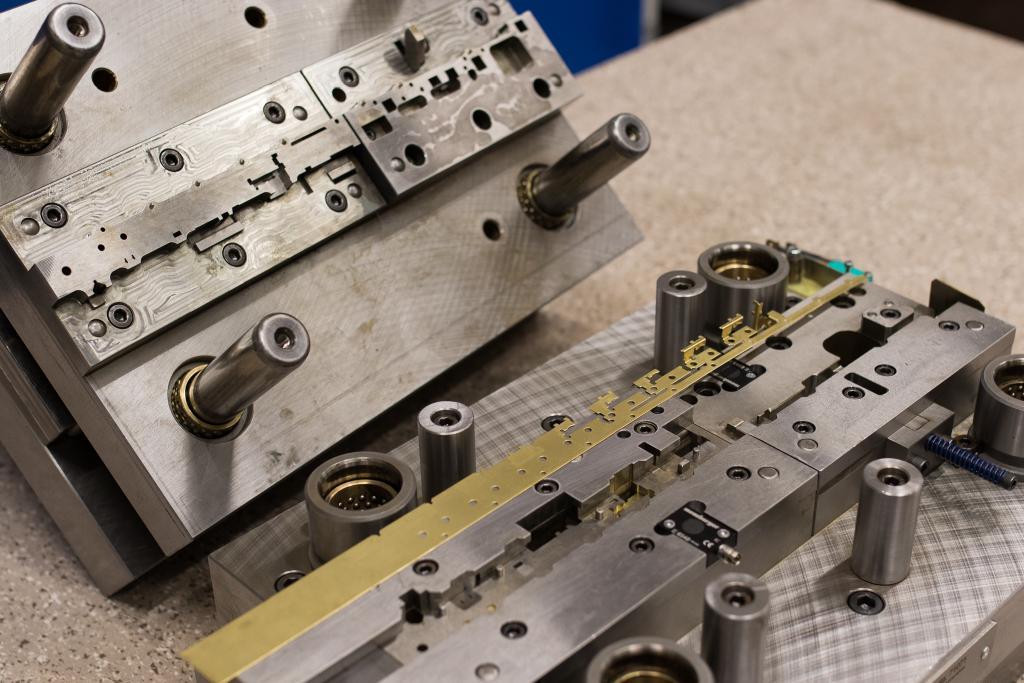 Werkzeuge zum Stanzen und Umformen von Blech